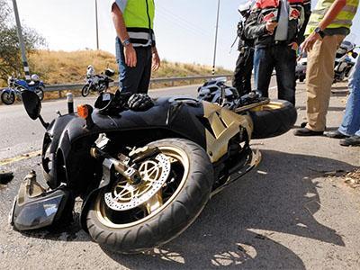 Consulta Gratuita en Español con Abogados de Accidentes de Moto en Bell California