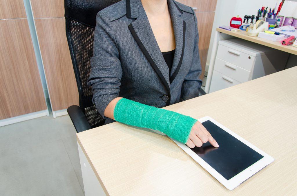 La Mejor Asesoría Legal de Abogados de Accidentes de Trabajo, Demanda de Derechos y Beneficios Cercas de Mí en Bell California
